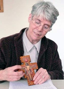 Sr. Helen Hadcock explains the meaning of the San Damiano Cross.
