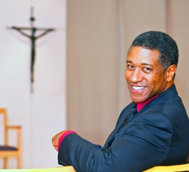 Bass-baritone Mark Doss' time in the seminary planted the seeds of belief that allows his voice to flourish with emotion on stage.