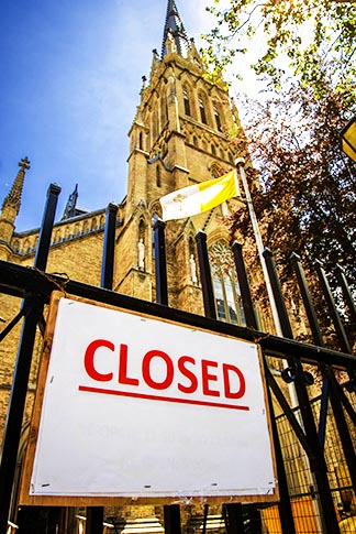 Toronto's St. Michael's Cathedral has been closed temporarily due to safety concerns raised during the building's renovation.