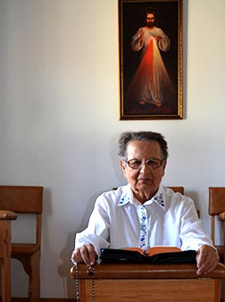 Sr. Anna Maka has retired, but remains faithful to her life of prayer as a Sister of the Holy Name of Jesus.