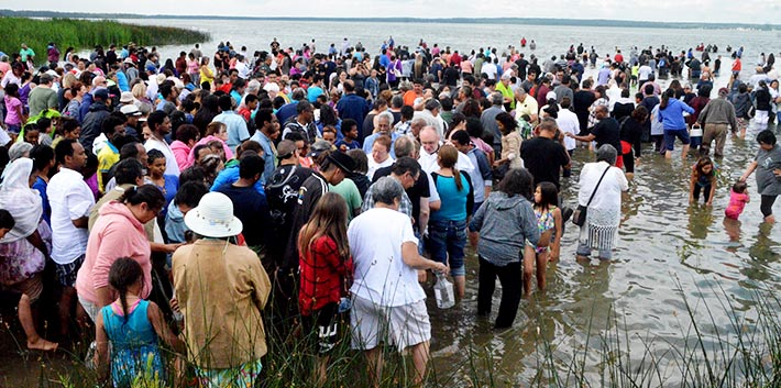 People come from northern to the West Coast to seek healing in the blessed waters of lac Ste. Anne, northwest of Edmonton, or to collect water to take home with them.